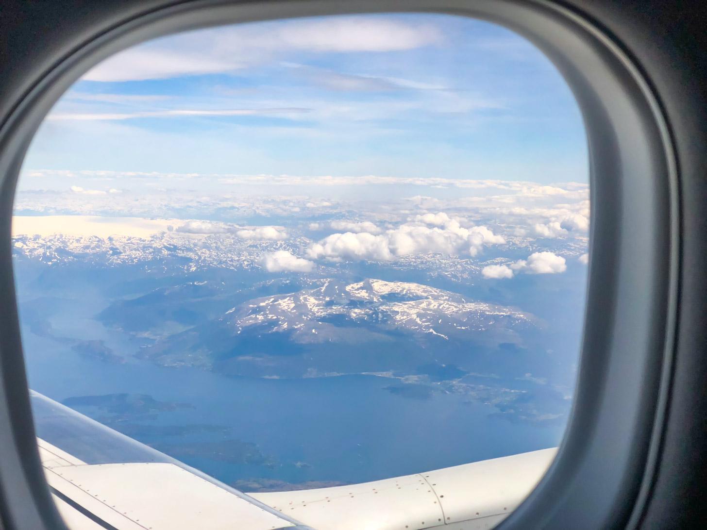 vliegen naar Bergen